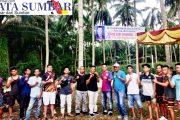 Peringati HUT ke-30 Panco Bersaudara, Tokoh Muda dan Mantan DPRD Pasbar Goro Bersama Bersihkan Lapangan Bola Voly