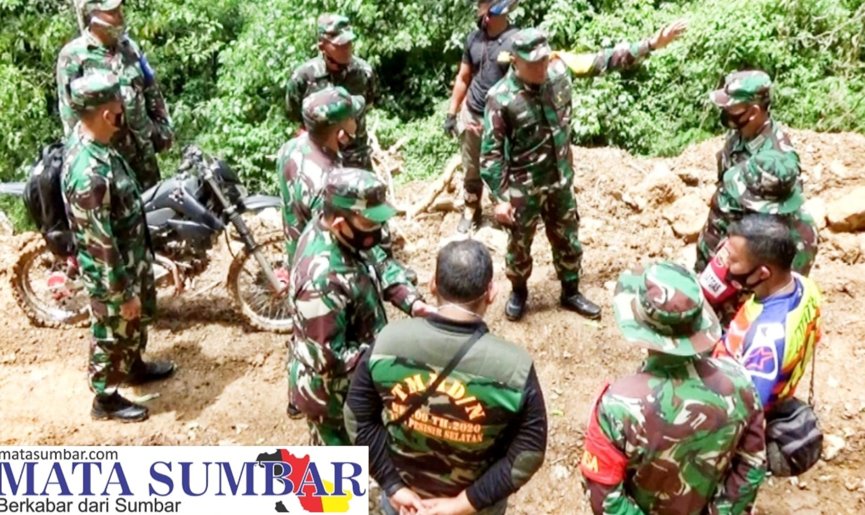 Kunjungan Ke Lokasi TMMD Kampung Dilan, Danpusterad Sebut Sampai Kapanpun Roh TNI Adalah Rakyat