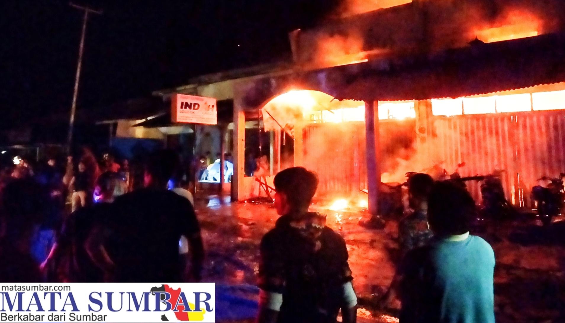 Dua Petak Rumah Permanen di Km.5 Dusun Turonia Tuapejat Terbakar