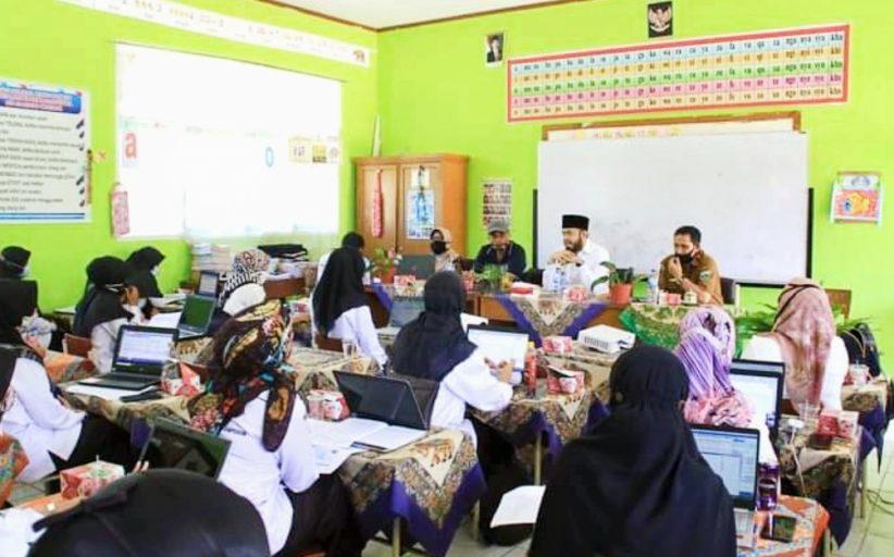 Silahturahmi di SD 16 Koto Katiak, Wako Fadly : Kita Akan Adakan Program Bimbel Khusus Operator Sekolah Dasar
