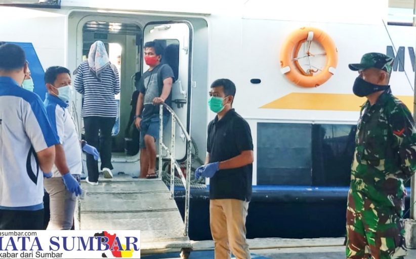 Hari Pertama Pemberlakuan Wajib Swab Test di Pelabuhan Muara Padang di Cek Langsung Dandim 0319/Mentawai