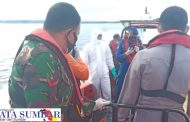 Babinsa Sikakap Bantu Tim SAR Gabungan Evakuasi Korban Hilang di Pulau Siruso