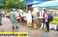 Kedatangan Kapal Dari Padang, Babinramil Sikakap PAM Penegakan Prokes