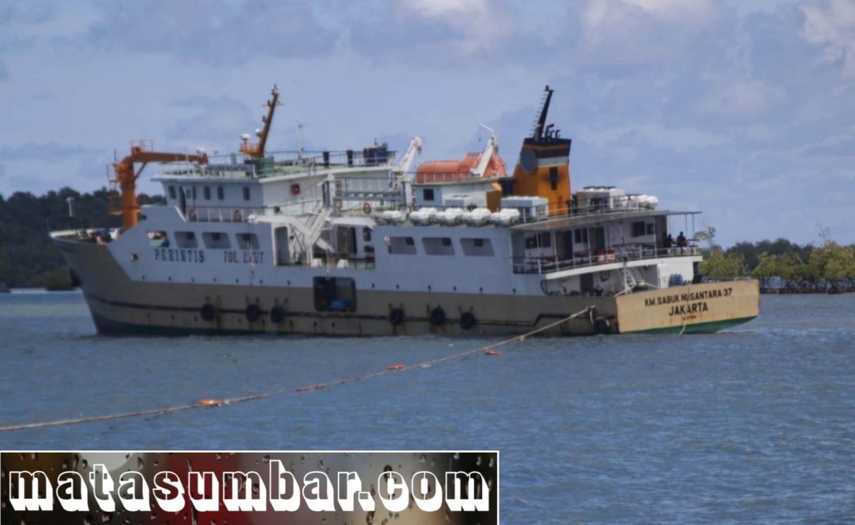 KM Sabuk Nusantara 37 Tersangkut Karang di Pelabuhan Tuapejat, SAR Lakukan Operasi