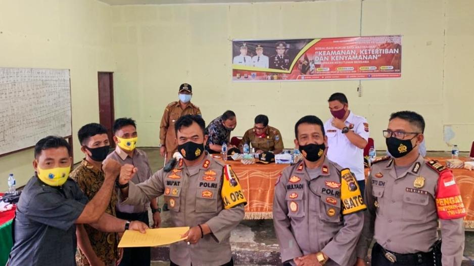 Kapolres Mentawai Kukuhkan Pengurus Pokdar Kamtibmas di Tiga Kecamatan PUS