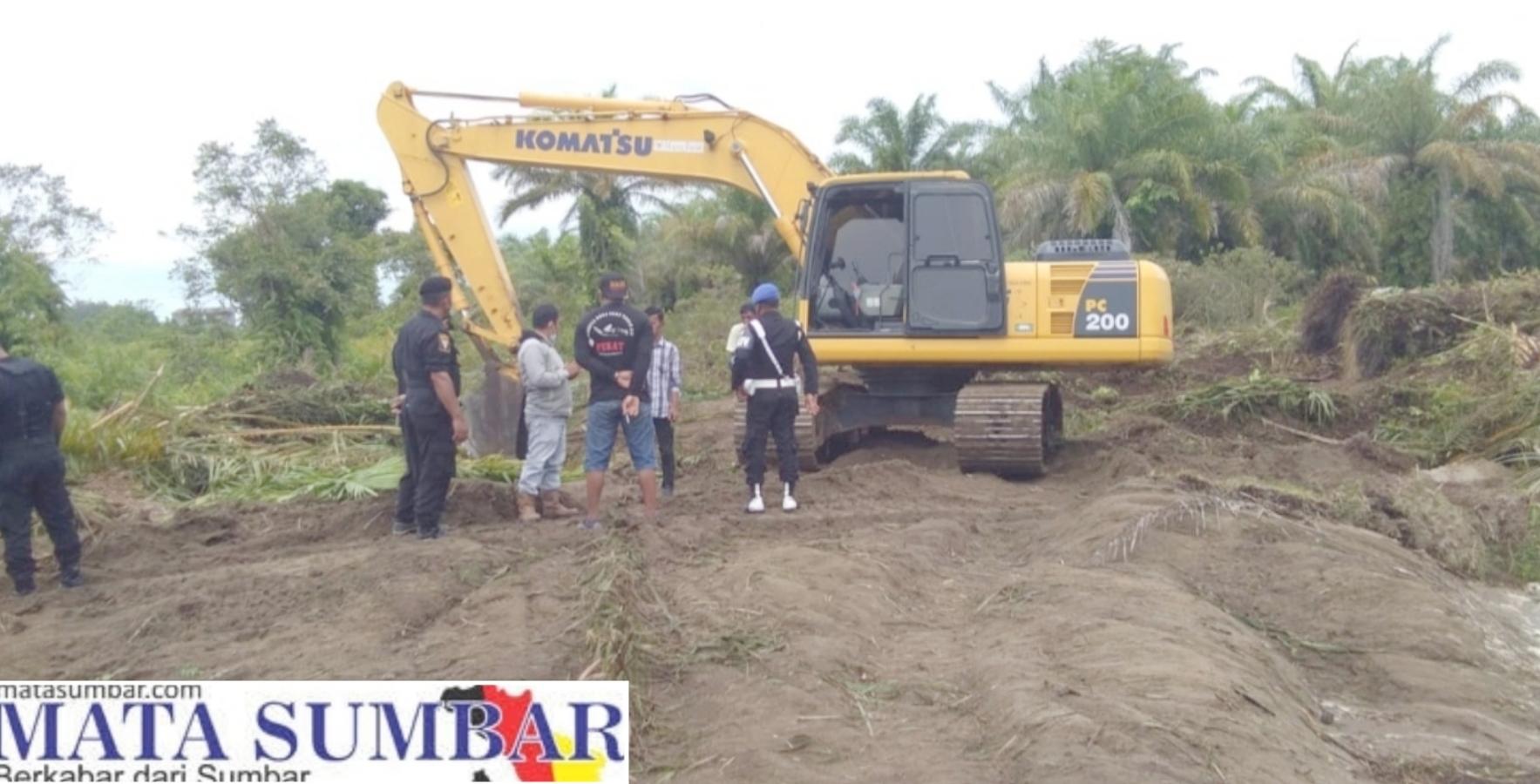 Diduga Tak Sesuai Aturan, Ormas Pekat IB Padang Pariaman Bersama Masyarakat Hentikan Aktivitas Pembuatan Tambak Udang