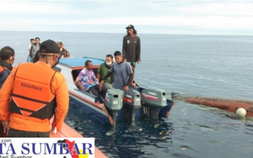 Longboat Menuju Sikakap Temukan Nelayan Hilang Kontak Dalam Kondisi Selamat