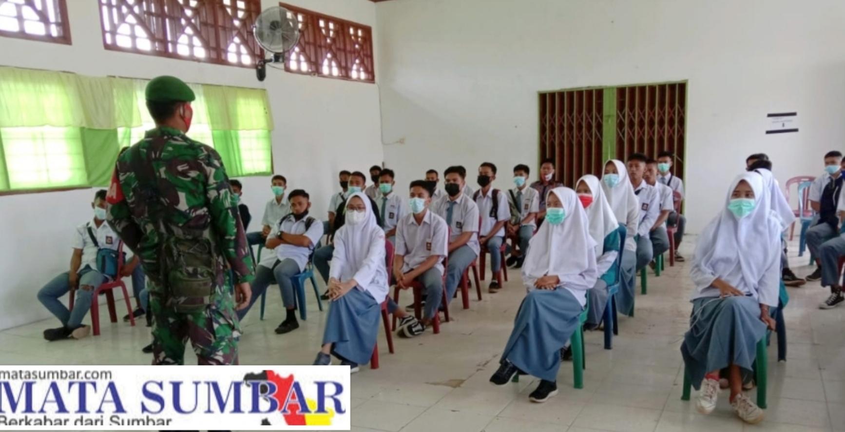 Tarik Minat Pelajar Masuk TNI, Babinsa 01/Pancuang Soal Sosialisasi di SMAN 1 Tapan