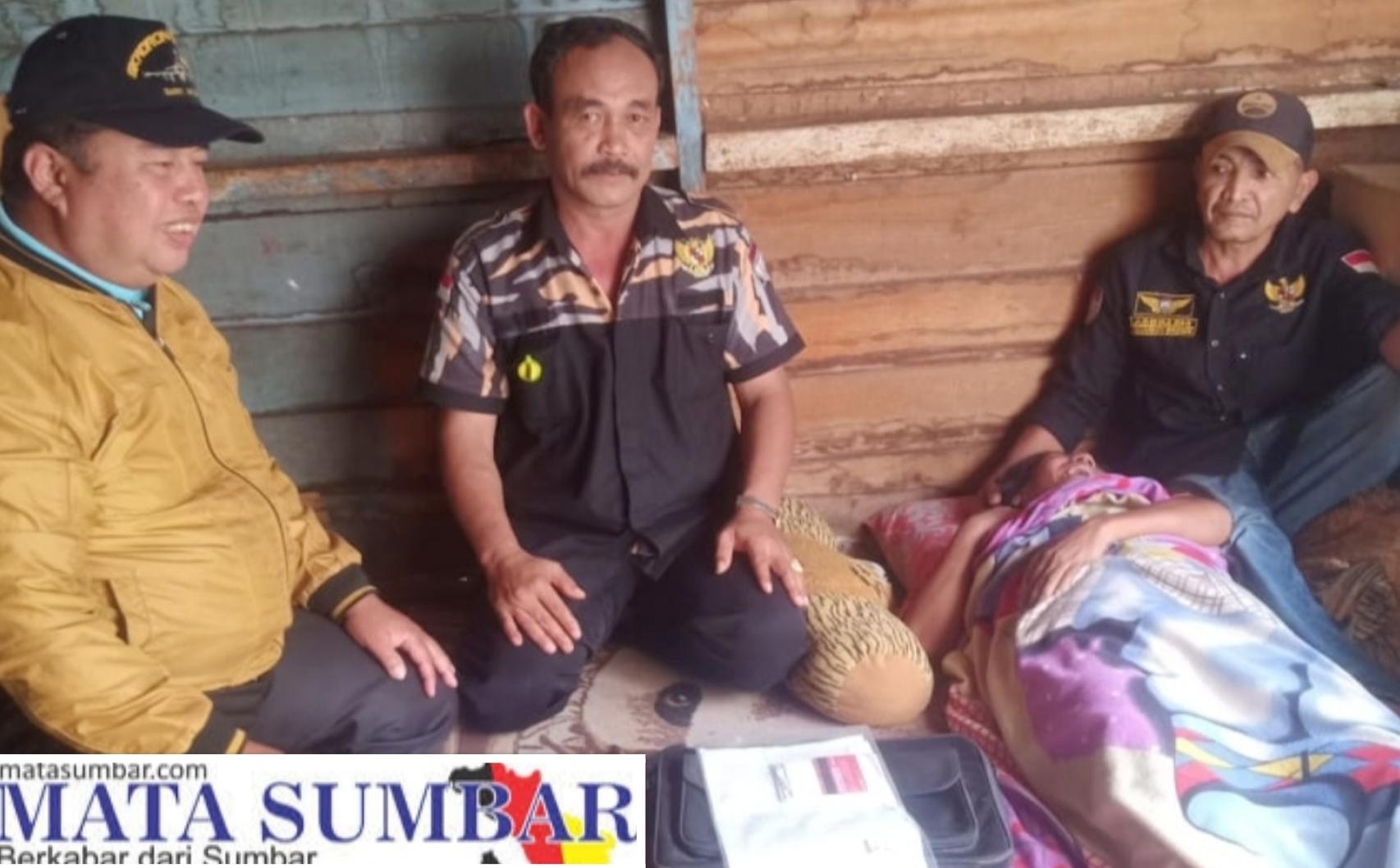 Peduli Sesama, Ketua DPD Pekat IB 50 Kota Sambangi Warga Penderita Stroke Sekaligus Berikan Bantuan