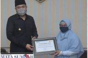 PJU Tanpa Tunggakan, Pemko Padang Panjang Terima Penghargaan