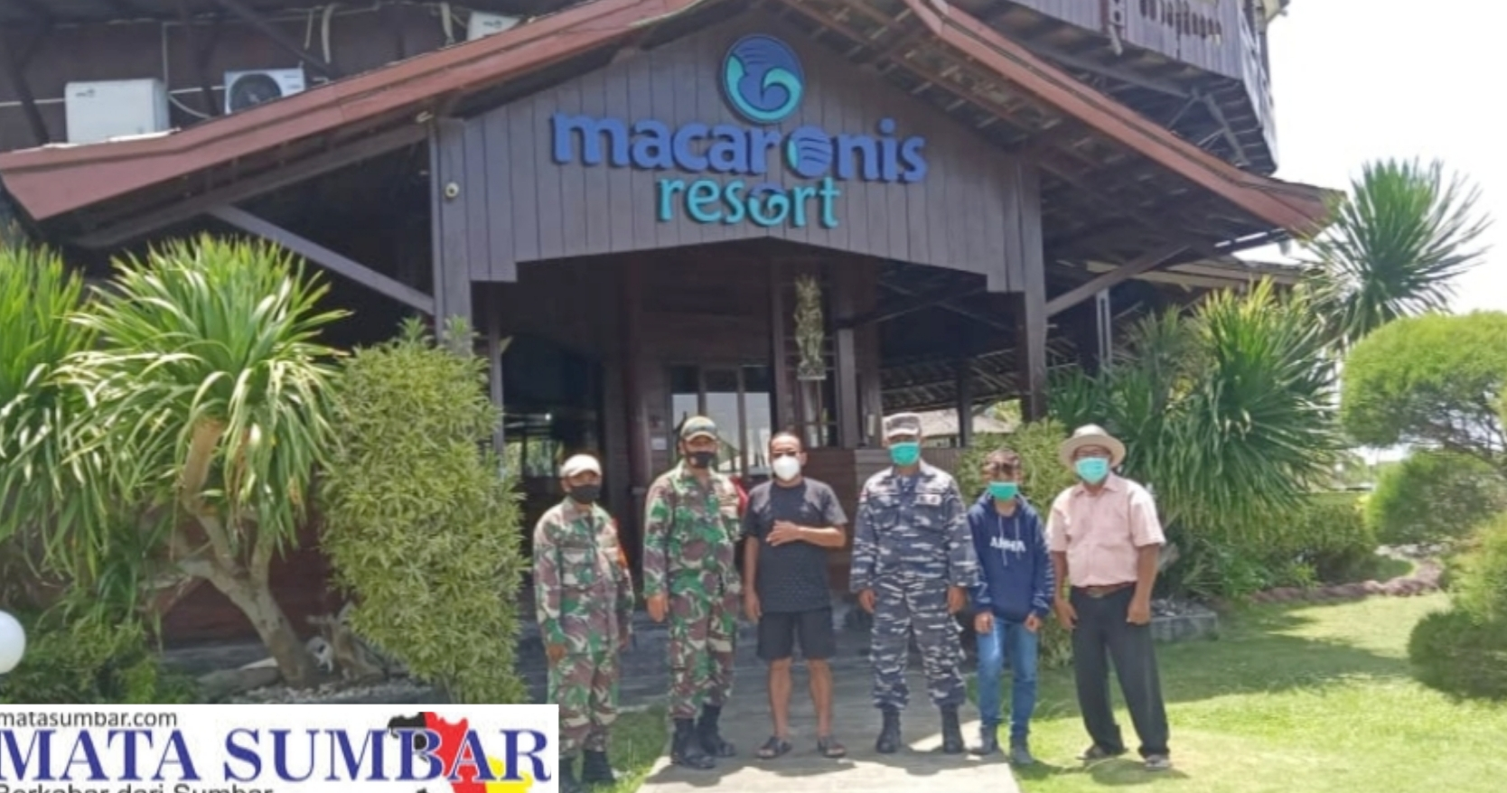 Bahas Soal Prokes di Wilayah Wisata, Koramil 04/Sikakap Sambangi Macaronis Resort
