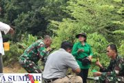 Perkuat Kebersamaan, Dandim 0319/Mentawai Bersama Ketua Persit Sambangi Anggota di Lokasi TMMD