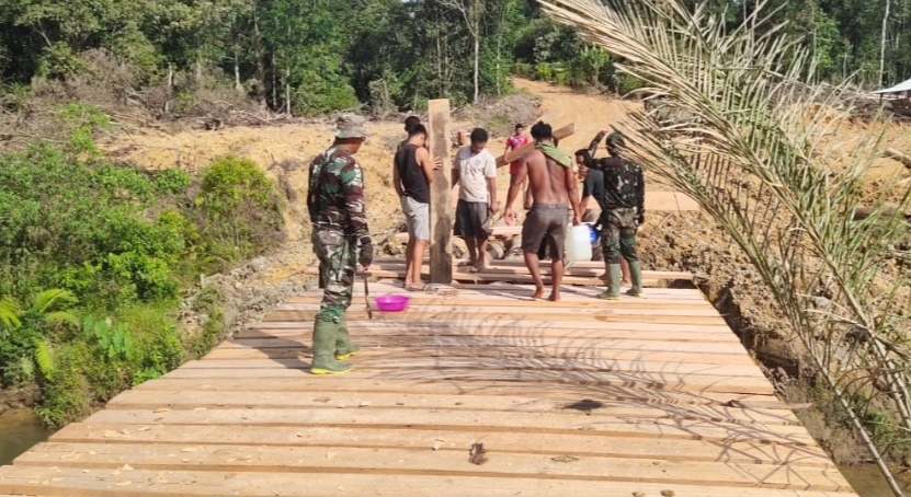 Satgas TMMD Bangun 3 Jembatan Penghubung Desa Bukit Pamewa