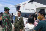 Penegakan Prokes, Satgas TMMD Lakukan Pengamanan di Pelabuhan Tuapejat