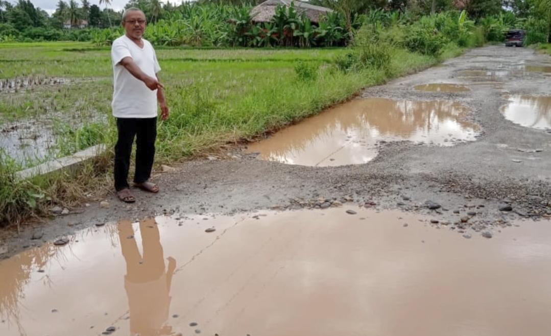 Miris, 4 Tahun Jalan Berlubang dan Rusak Parah di Korong Koto Buruk Belum Ada Reaksi Perbaikan Dari Pemkab Padang Pariaman