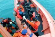 Mati Mesin, 4 POB Longboat di Evakuasi Tim SAR Gabungan