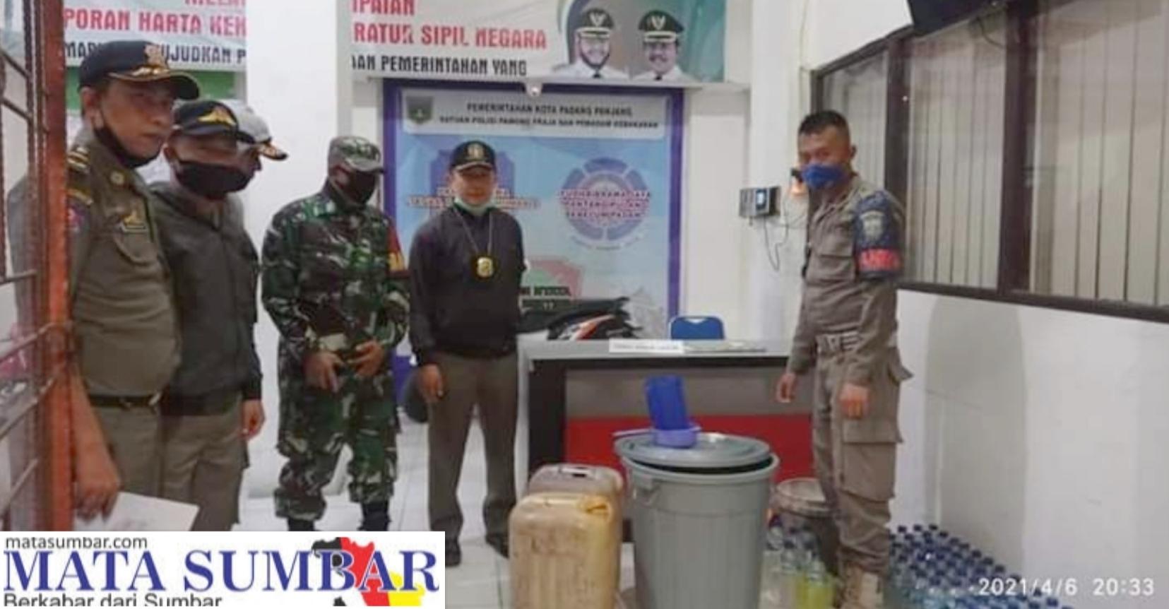 Tim Gabungan Penegak Perda Sita Miras Jenis Tuak di Kelurahan Balai-Balai