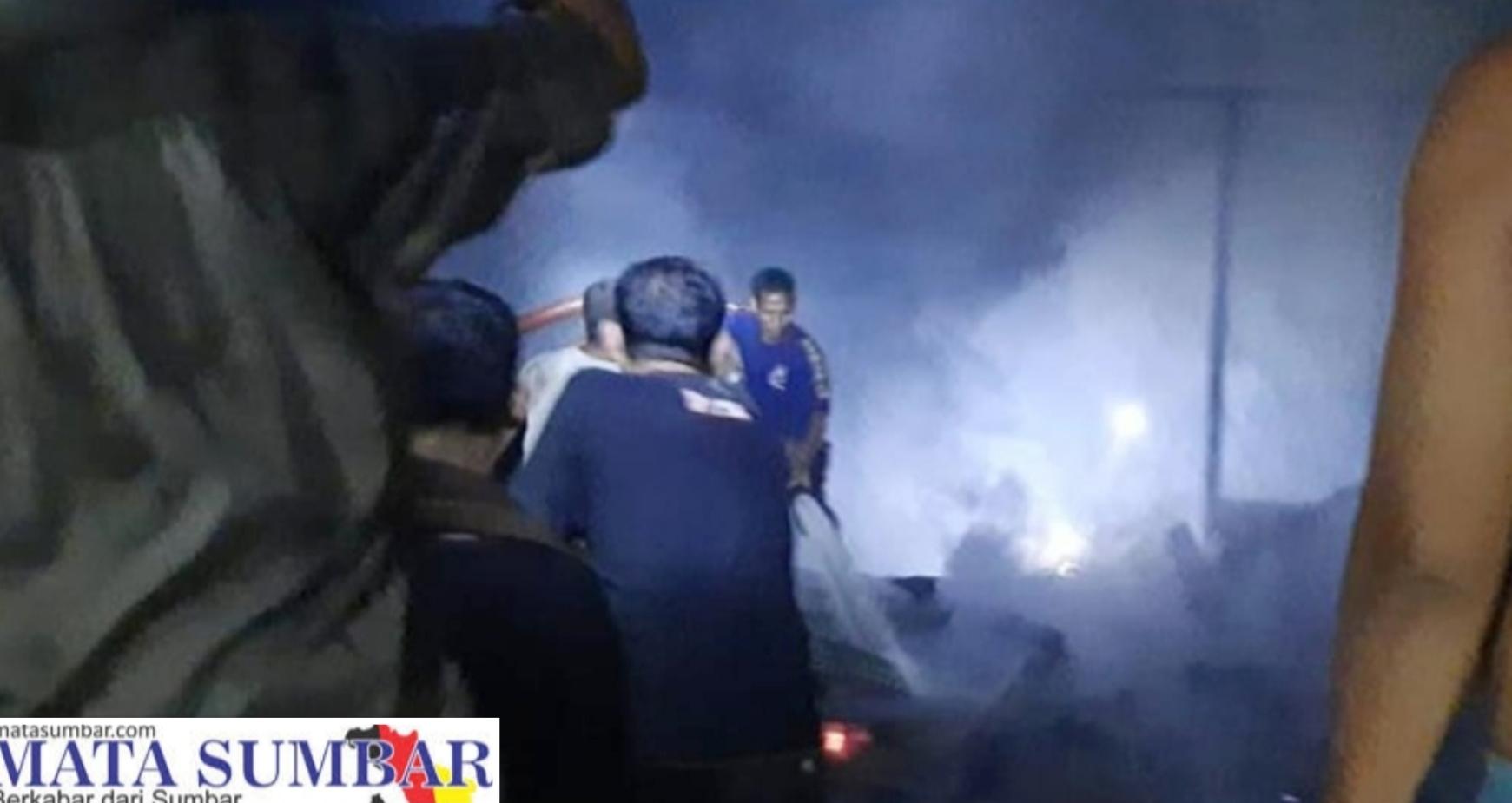 Kebakaran Tiga Unit Rumah di Pasbar, Kerugian di Perkirakan 400 Juta