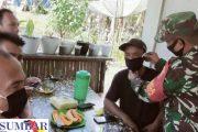 Patroli di Warung Kopi, Babinsa Sikakap Ajak Warga Patuhi Prokes