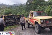 Mobil Bermuatan Kopra Terbalik di Tanjakan Dusun Sila'oinan, Arus Lalu Lintas Sempat Terganggu
