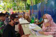 Babinsa Koramil 03/IV Jurai Kembali Dampingi Lansia dan Guru Jalani Vaksinasi