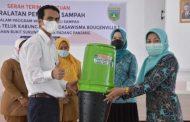 Dasawisma Bougenville I Kelurahan Busur Terima Bantuan Peralatan Pengolah Sampah