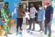 Brigadir Yasser Rinaldi Serahkan Bantuan Perlengkapan APD dan Pendukung Posko PPKM Desa Goiso'oinan