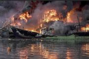 Kapal Nelayan di Area Pelabuhan Muara Baru Jakarta Utara Terbakar