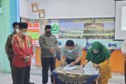 Kontrak Pembangunan Gedung Balai Nikah dan Manasik Haji Kecamatan Padang Panjang Barat di Tanda Tangani