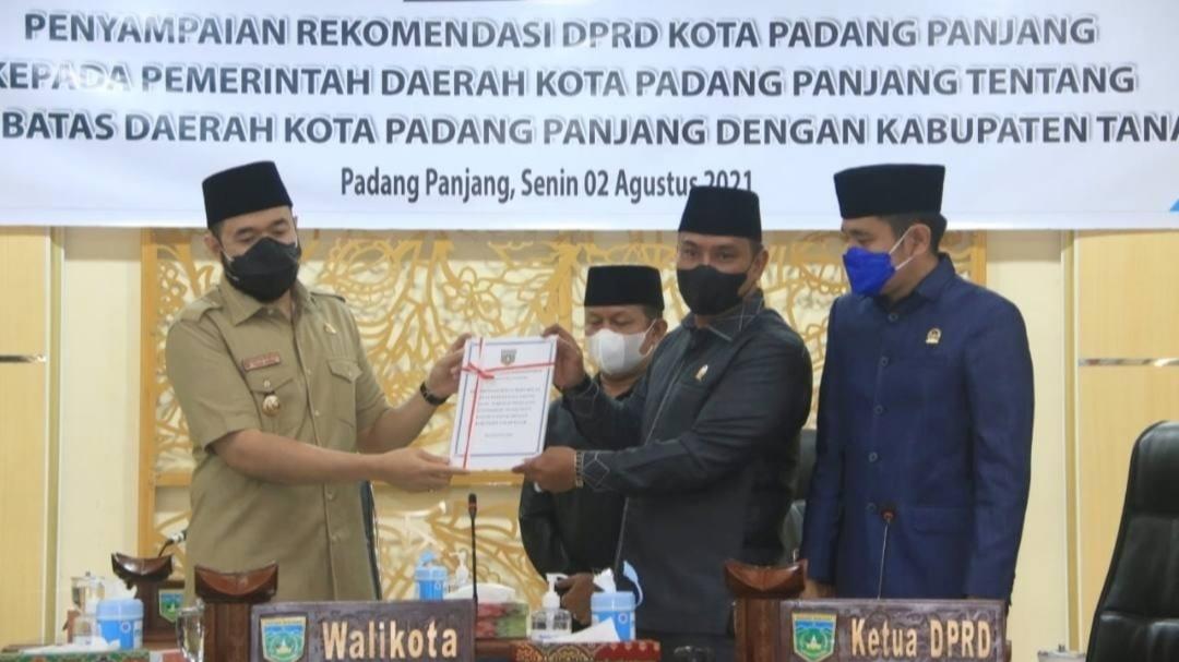 Rekomendasi DPRD Segera di Tindak Lanjuti Wako Fadly Terkait Tapal Batas Antara Kota Padang Panjang Dengan Tanah Datar