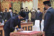 DPRD Padang Panjang Lantik Yandra Yane Pengganti Anggota Dewan Yang Meninggal Dunia