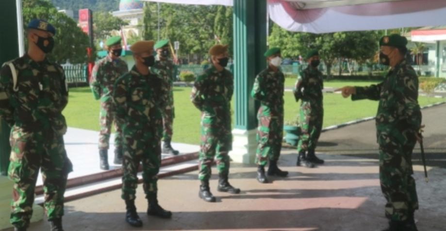 Dandim 0311 Pessel Lepas 5 Prajurit Bintara Remaja di Kesatuan Baru