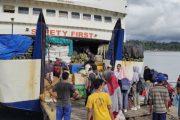 Barang Curah dan Mobil Semraut di Kapal Ambu-Ambu, Kemana Petugas Kapal?