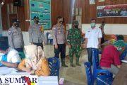 Babinsa Sikakap Bersama Forkopimca Monitoring Vaksinasi Massal di Desa Sinakak