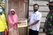 Babinsa Koramil 01 Pancung Soal Dampingi Penyaluran BLT di Nagari Sindang Lunang
