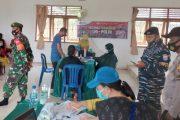 Babinsa Sikakap Monitor Pelaksanaan Vaksinasi di STTKM Nemnemleleu, Peserta Vaksin 63 Orang