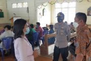 Gerai Vaksinasi TNI-Polri di Desa Monganpoula di Lakukan Jemput Bola