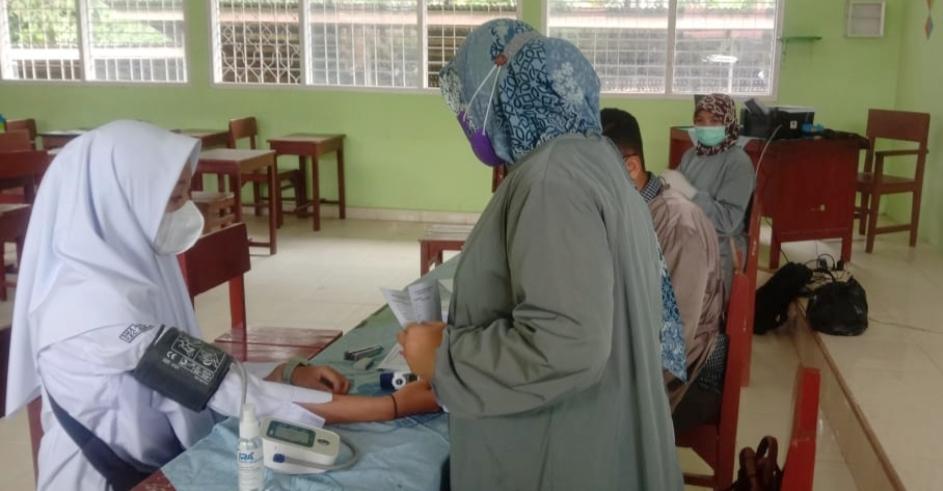 Wagub Sumbar Buka Kegiatan Vaksinasi Massal di SMAN 1 Suliki Secara Virtual
