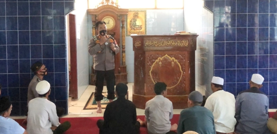 Kapolres Mentawai Berikan Himbauan Kamtibmas dan Prokes di Masjid Alfalah Sikabaluan