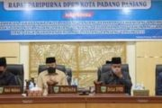 Jawaban Pandangan Umum Lima Fraksi DPRD Terkait Nota Keuangan Ranperda APBD-P 2021 di Sampaikan Wako Fadly Amran