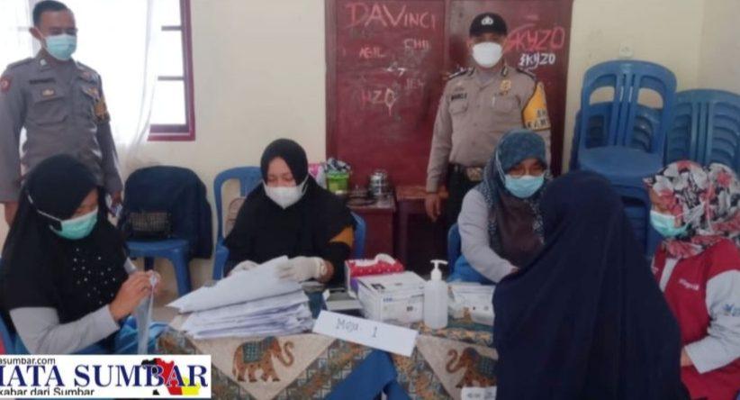 Polsek Suliki Fasilitasi Vaksinasi Massal di SMKN 1 Suliki dan SMPN 1 Bukit Barisan