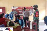 Hari Pertama Gerai Vaksinasi TNI-Polri di SMPN 1 Sipora di Ikuti 130 Pelajar