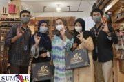 Galeri Cenderamata Berbahan Kulit di Kota Padang Panjang, Suksesnya Berawal Cinta Budaya Minangkabau
