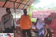 Vaksinasi Presisi di SMAN 2 Sipora di Ikuti 171 Orang, Bhabinkamtibmas Turut Mendampingi