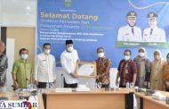 Komitmen Sukseskan JKN-KIS, Pemko Padang Panjang Terima Penghargaan UHC Dari BPJS Kesehatan