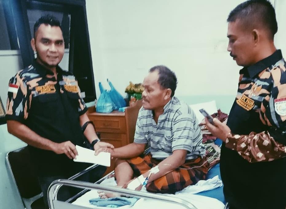 Peduli Sesama, DPK Pekat IB Pauh Berikan Bantuan