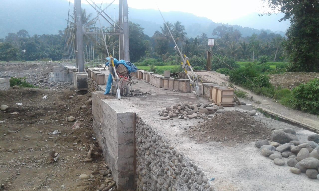 Proyek Jembatan Padang Aia Dingin Solsel, Diduga Kuat Beraroma Korupsi