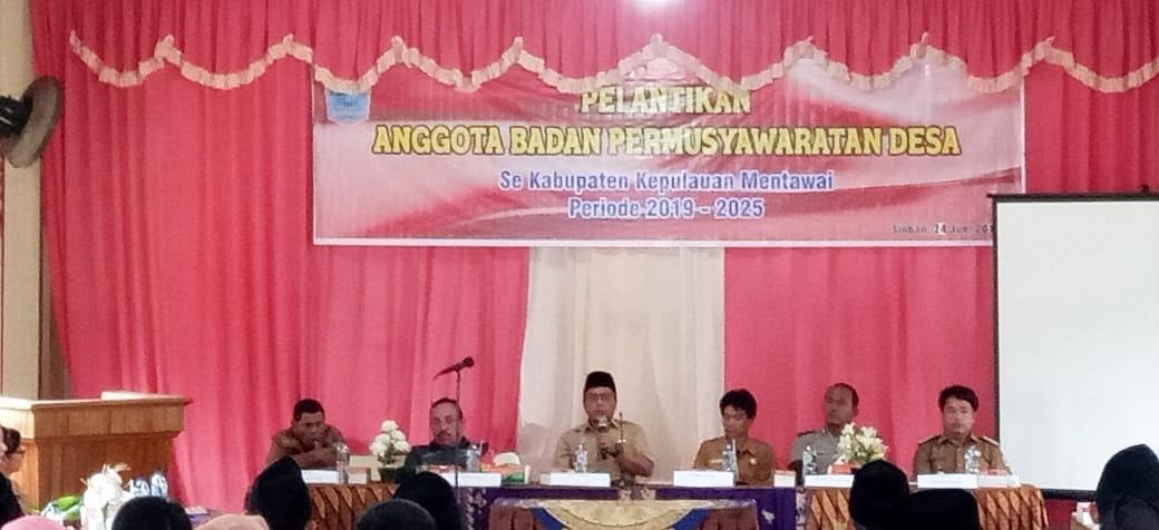 Sebagai Investasi Daerah, Sekda Mentawai Ajak Jajaran Desa Kembangkan Pariwisata