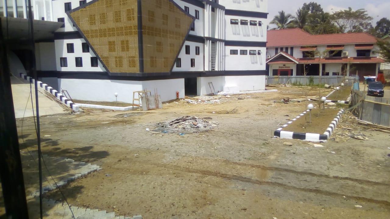 Pembangunan Kantor Bupati Sijunjung Banyak Menuai Masalah, Bupati dan PU Terkesan Cuci Tangan