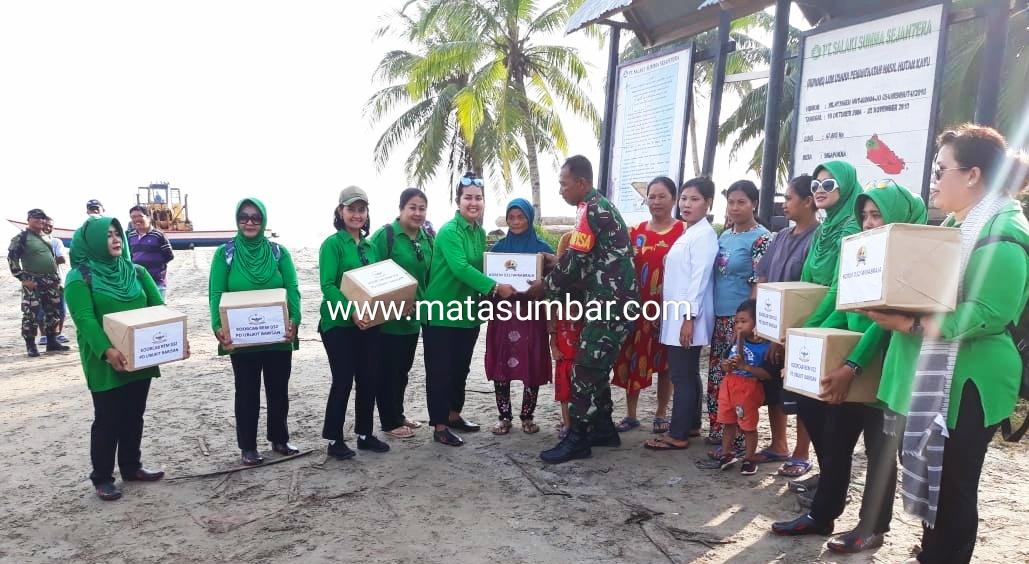 Kunker Danrem 032/Wirabraja di Mentawai Mulai Bakti Sosial Hingga Karya Bakti